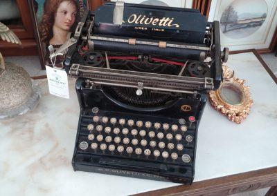 maquina de escribir antigua de tienda reutiliza todo