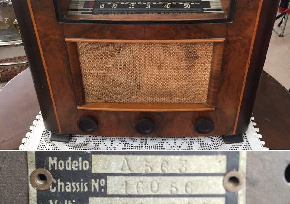 Radio antigua año 1944