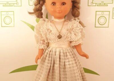 Made in spain.Con vestido de comunion N°1750