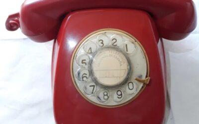 Telefono vintage rojo marca Citesa