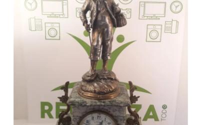 Antiguo reloj Frances Pescador.