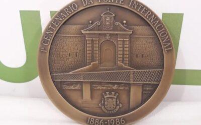 Medalla Centenario del puente internacional
