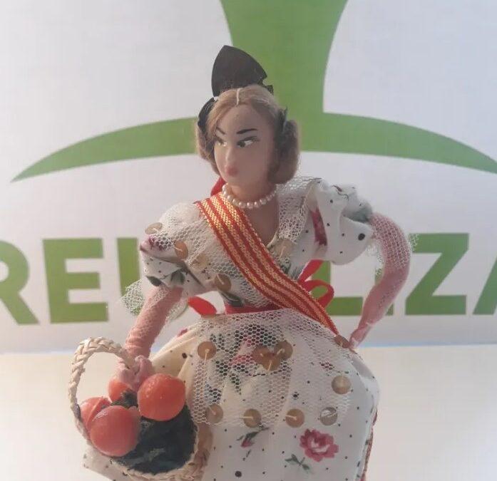 Muñeca Sally fallera Valenciana años 60 70